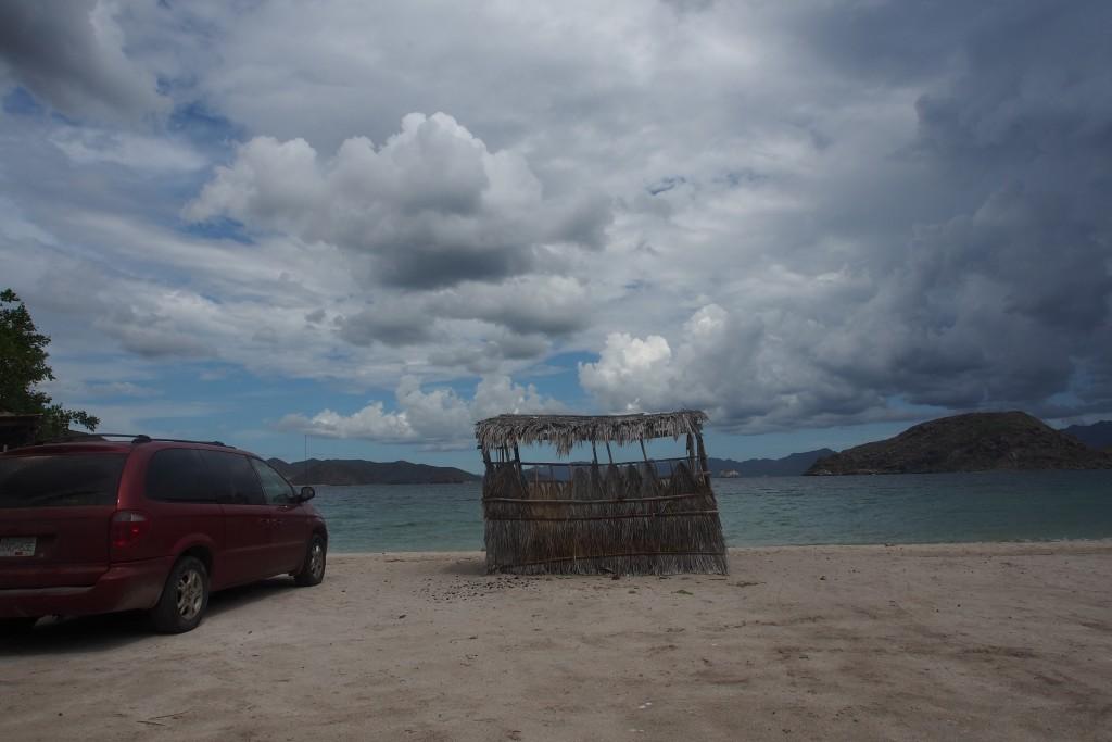 Auto an Strand